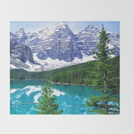 Canadian Wonder: Moraine Lake Throw Blanket