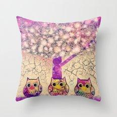 owl-920 Throw Pillow