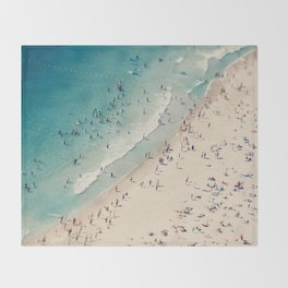 beach love V Throw Blanket