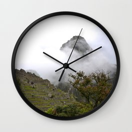 Dans la brume Wall Clock