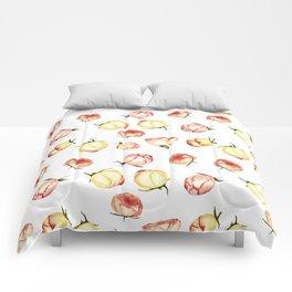 Vintage rose buds pattern Comforters