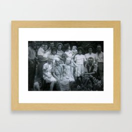 Minha Familia Framed Art Print