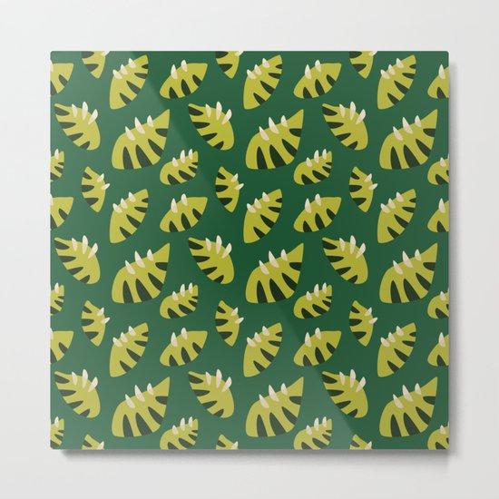 Pretty Clawed Green Leaf Pattern Metal Print