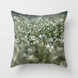 bokeh grass Throw Pillow