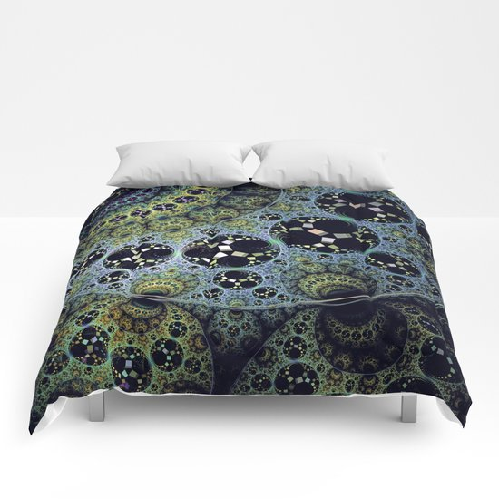 Miraculous patterns in circles Comforters