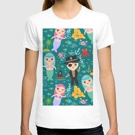 Mermaid with pirate, dark blue sea background T-shirt