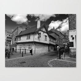 Kings arms. The pub that floods. Canvas Print