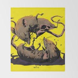 rat fight Throw Blanket