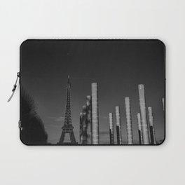 Paris en noir et blanc Tour Eiffel Laptop Sleeve