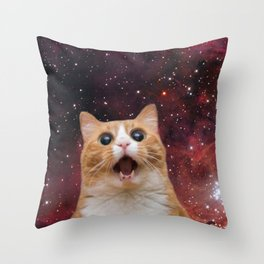 scaredy cat in space Throw Pillow