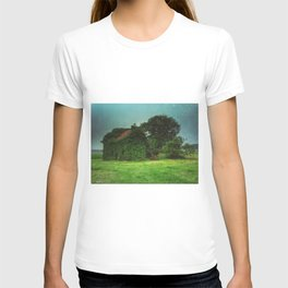 house with ghosts  T-shirt