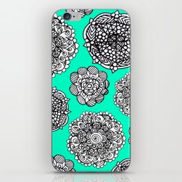 aqua mandala maze  iPhone Skin