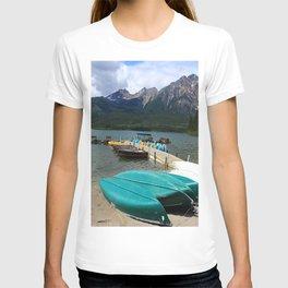 Canoes At Pyramid Lake T-shirt