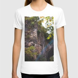 Looking up to the Natural Bridge, VA T-shirt