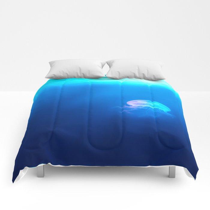 Jellyfish are beautiful Comforters