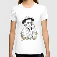 harry styles T-shirts featuring Harry Styles by Mariam Tronchoni
