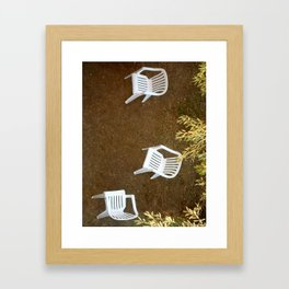 Tres sillas Framed Art Print