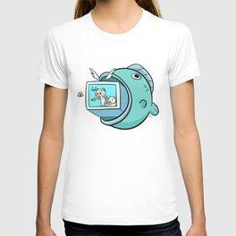 Waka Waka Bee T-shirt