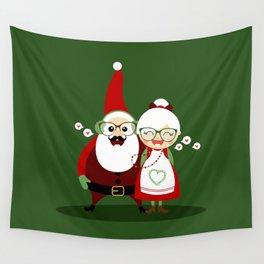 Père & Mère Noël  (vert sapin) Wall Tapestry
