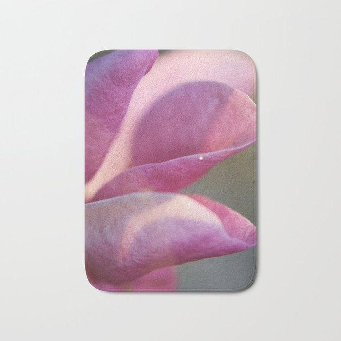 Magnolia crimson Bath Mat
