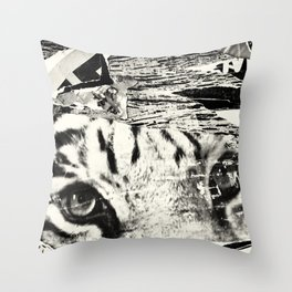Tears of the tiger Throw Pillow