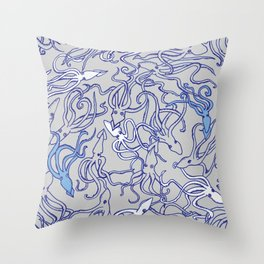 Squids of the inky ocean Throw Pillow
