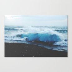 ocean waves Canvas Print