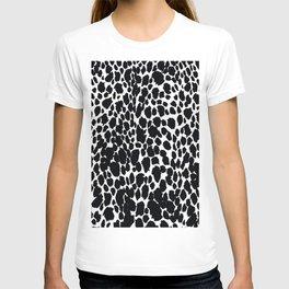 ANIMAL PRINT CHEETAH #5 BLACK AND WHITE PATTERN T-shirt