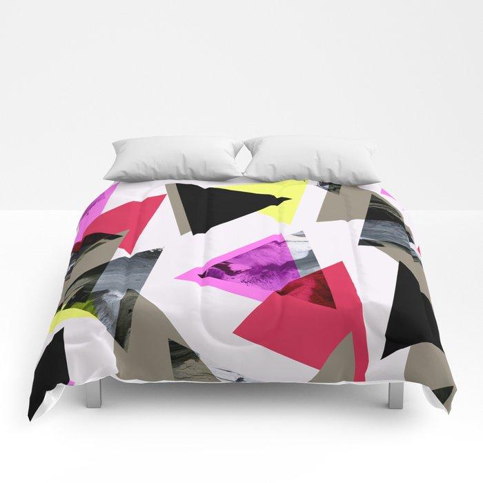 Graphic 481 Comforters