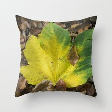 Maple Contrast Throw Pillow