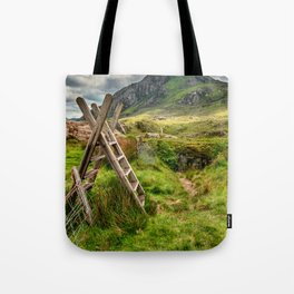 Stile To Tryfan Mountain Tote Bag