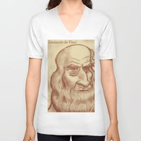 da vinci V-neck T-shirts featuring Leonardo da Vinci by Roberto Núñez