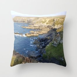 Godrevy Beach. Seal lookout. Coast Path, Hayle, Cornwall Throw Pillow