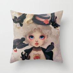 Les petits becs... Throw Pillow