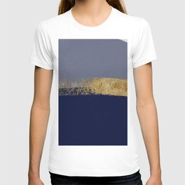 Stormy night skies over the ocean T-shirt