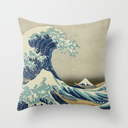 THE GREAT WAVE OFF KANAGAWA - KATSUSHIKA HOKUSAI Throw Pillow