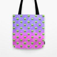 aliens Tote Bags featuring Aliens by Miss Taralee
