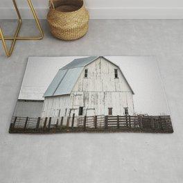 White Barn - Large Weathered Barn in Illinois Rug