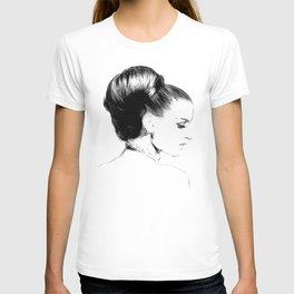 Woman Portrait Fashion Minimal Drawing T-shirt
