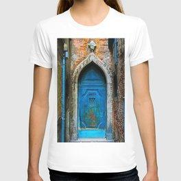 Beautiful Egyptian Blue European Doorway Photograph T-shirt