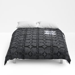 Pattern Eight Black and White Comforters