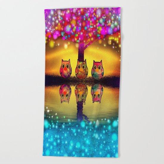 owl-97 Beach Towel