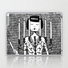 Eloise sets the mood Laptop & iPad Skin