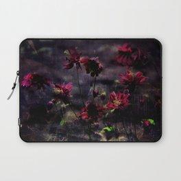 Mes ancolie - Aquilegia dark floral Laptop Sleeve