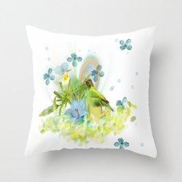 beauty bird Throw Pillow