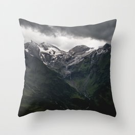 The power of the Mountains Throw Pillow