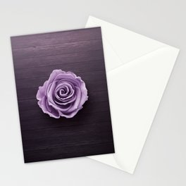PURPLE - ROSE - ON - WOODEN - SURFACE Stationery Cards