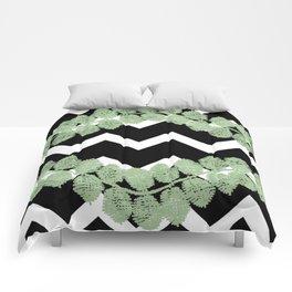 Blkwhtchevronstripeleafvine Comforters
