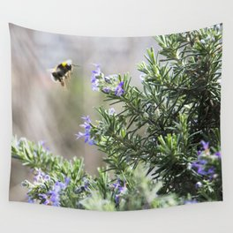 bumble bee flight Wall Tapestry