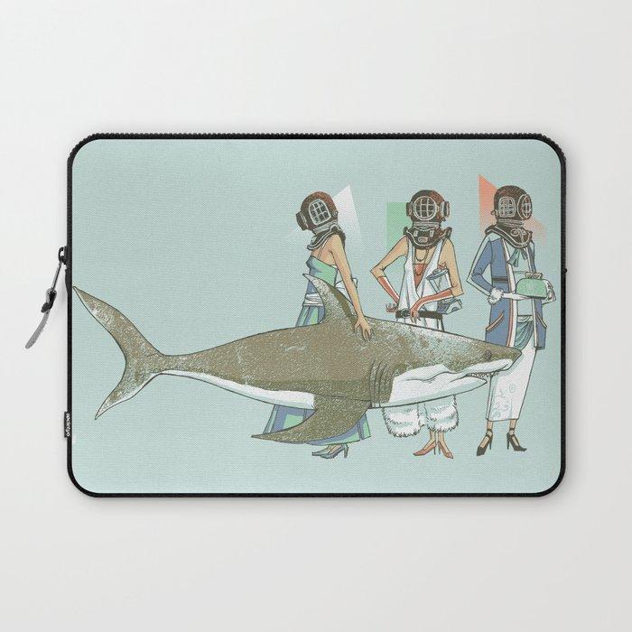 In Oceanic Fashion Laptop Sleeve